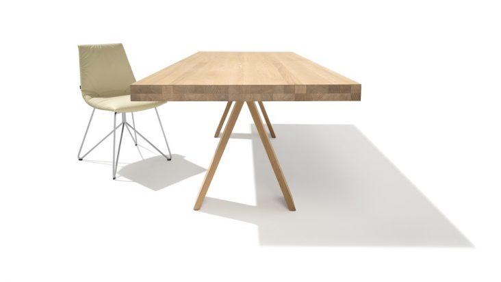 TEAM7 presenta il tavolo che si trasforma in un solo gesto