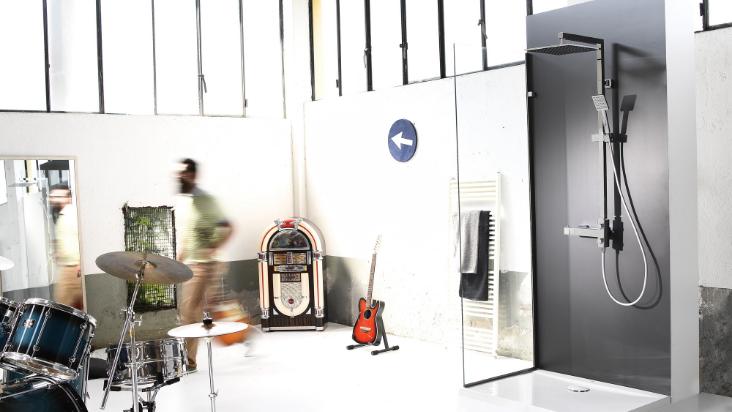 Minimal 2TQ di Damast: il set Colonna con miscelatore per ridurre i consumi