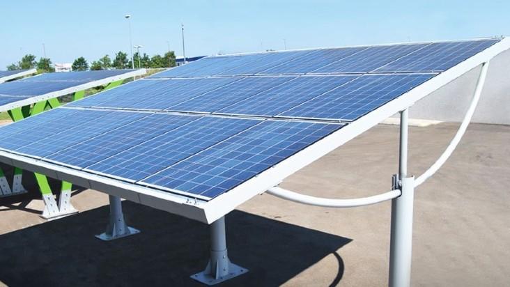 Tettoie fotovoltaiche: arrivano le pensiline auto con pannelli solari